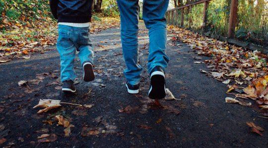 8 estrategias para desarrollar el liderazgo en tus hijos