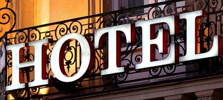 El hombre, el chico y el gran hotel portada